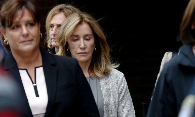 Felicitiy Huffman drohen vier bis zehn Monate Haft.