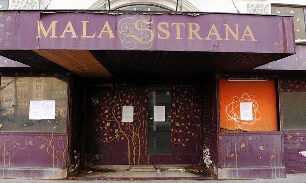 Seit Jahrzehnten gesperrt: das Mala-Strana-Theater am Mittersteig (Archivbild).