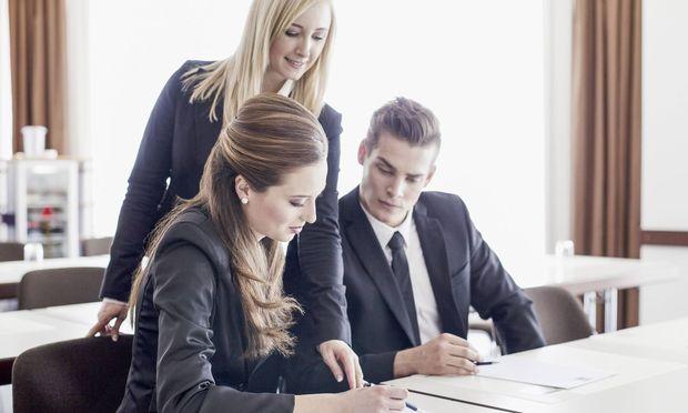 Manager in der Industrie müssen Wirtschaft, Technologie und Führungsskills vereinen.