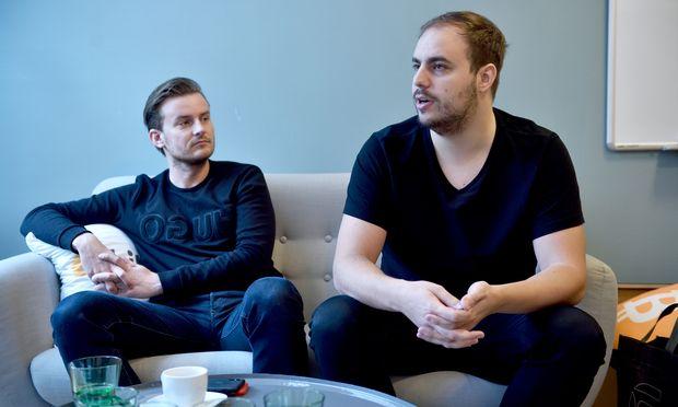 Die Bitpanda-Gründer Eric Demuth (l.) und Paul Klanschek.