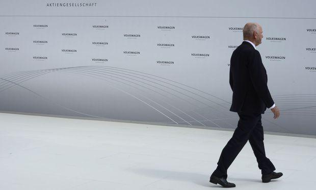 Geht Ferdinand Pi¨ech ganz? Er verhandelt über den Verkauf seiner Porsche-Anteile.