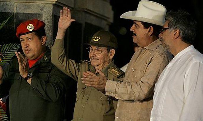 Manuel Zelaya, Raul Castro, Hugo Chavez, Fernando Lugo