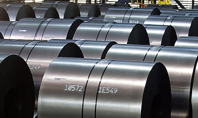 Stahlrollen im Werk von ThyssenKrupp