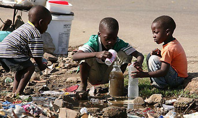 Verschmutztes Wasser ist eine der Ursachen für Cholera