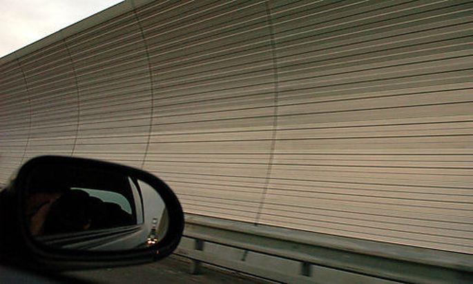 Autobahn, L�rmschutzwand Photo: Michaela Bruckberger