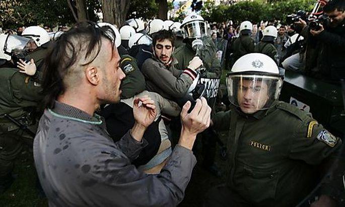 Polizei in Griechenland unter Druck