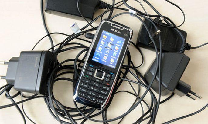 Handy, Telefon, Ladegerät.