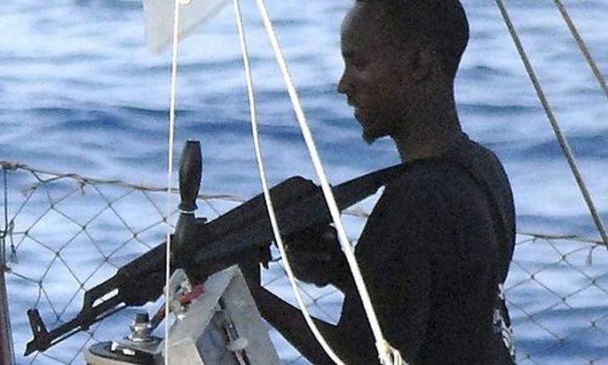 Einer der Entführer der Yacht