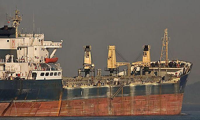Symbolbild Frachter
