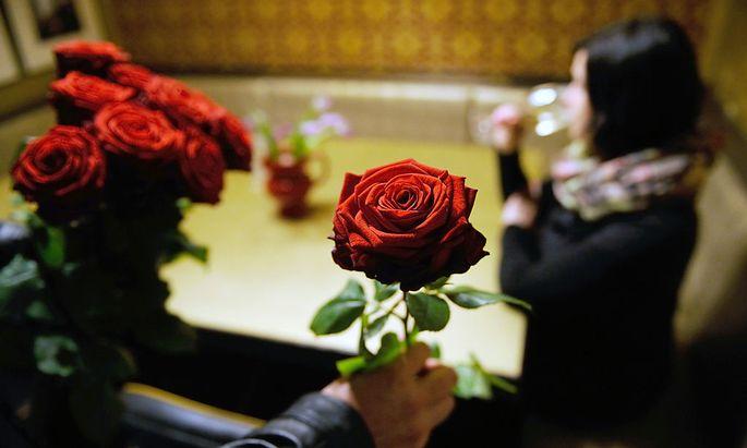 Pro Rose verlangt ein Verkäufer je nach Alkoholisierungsgrad des Kunden zwischen fünf und 20 Euro.