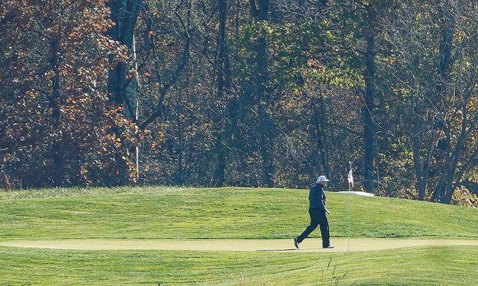 Donald Trump vertrieb sich die Zeit beim Golfen.