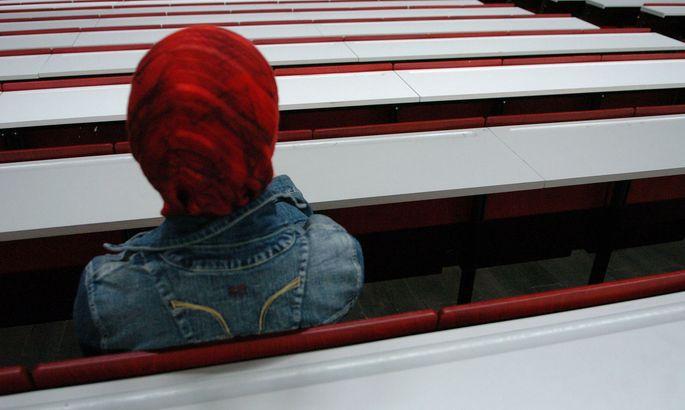 Schwerer Stand der Frauen in der Glaubensgemeinschaft.