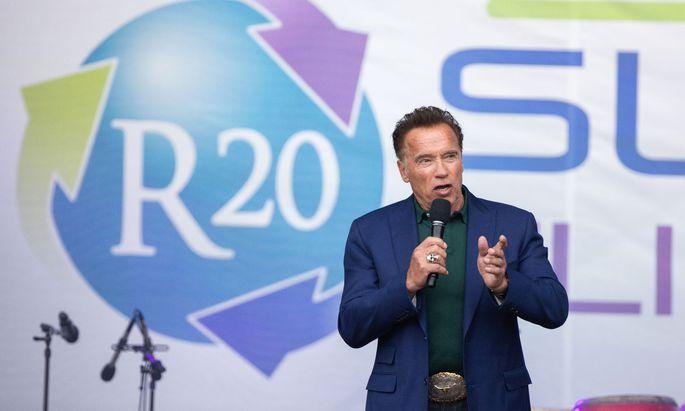 "Schwarzenegger beim ""Climate Kirtag"" am Wiener Heldenplatz"