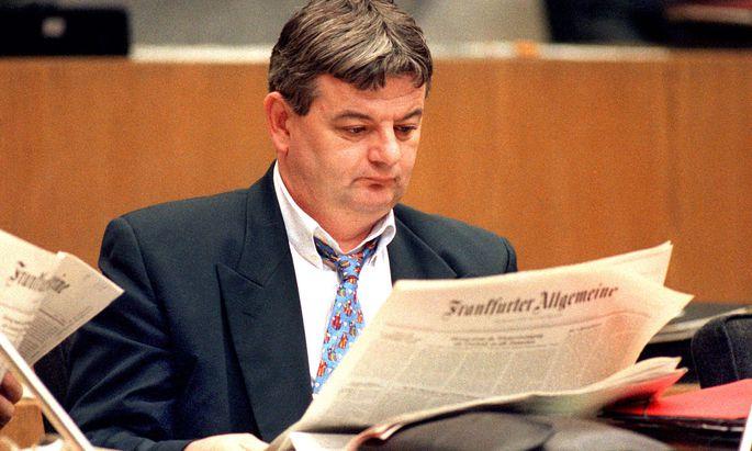 """Joschka Fischer als Grünpolitiker in Hessen 1994: Die """"FAZ"""", wiewohl für die tägliche Lektüre unverzichtbar, war wohl nicht sein Leibblatt."""