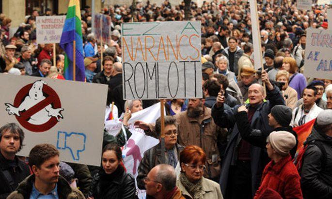 Abstimmung über umstrittene ungarische Verfassung