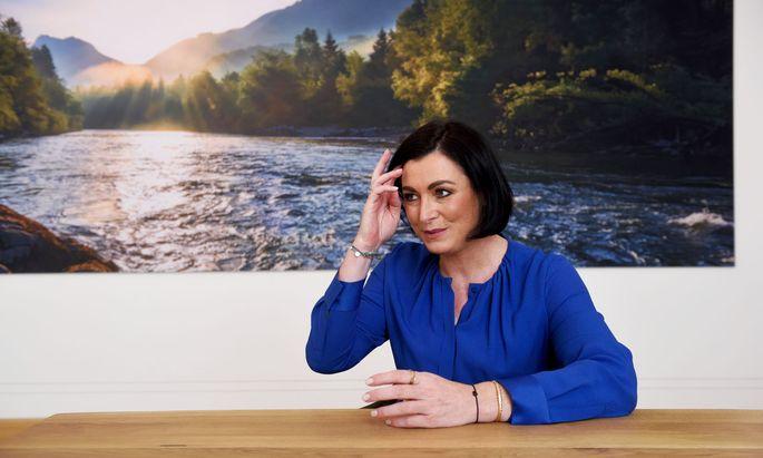 Elisabeth Köstinger, Tourismus-Ministerin und Kanzler-Vertraute