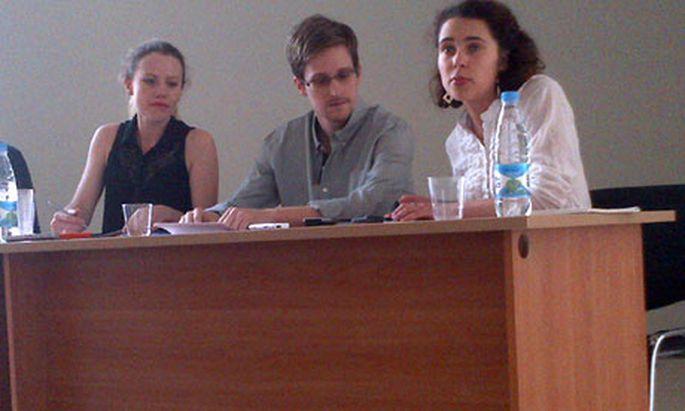 Snowden trifft heute Moskau