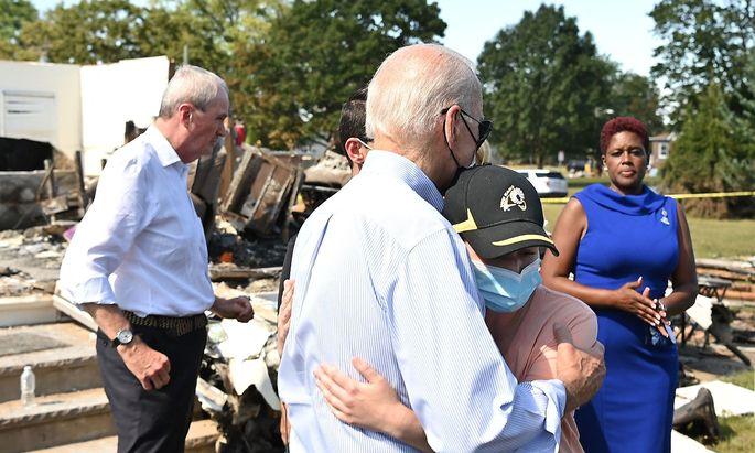 "Joe Biden in Louisiana, wo Hurrikan ""Ida"" schwere Zerstörung angerichtet hat."