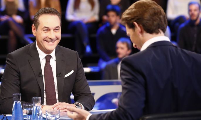 Head of FPOe Strache and head of the OeVP Kurz prepare for a TV discussion in Vienna
