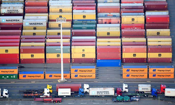 Der weitgehend ungehinderte Austausch von Gütern hat die Weltwirtschaft stark gepusht. Jetzt bedroht aufkommender Nationalismus dieses Modell. Das könnte den Wiederaufschwung nach der Coronakrise bremsen.