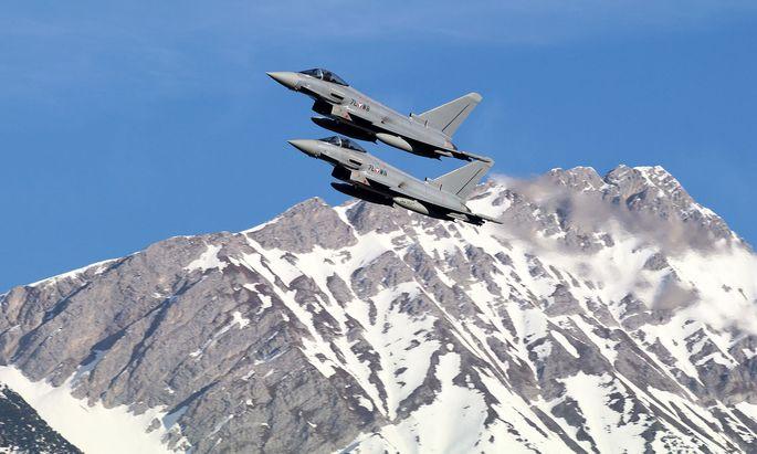Die Grünen plädieren für eine Luftraumüberwachung ohne Eurofighter.