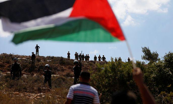 Der Friedensprozess zwischen Israel und Palästina hat sich kaum weiterbewegt. Die Palästinenser sehen vor allem im Siedlungsbau einen Verstoß.