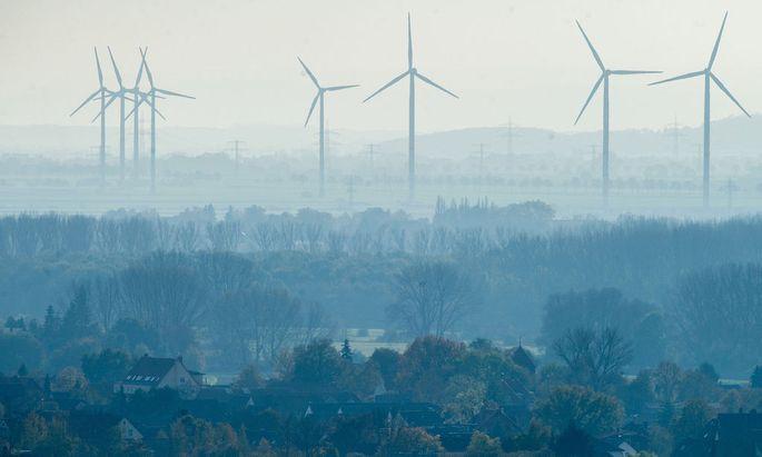 """Heimische Windräder könnten künftig auch Gas """"produzieren""""."""