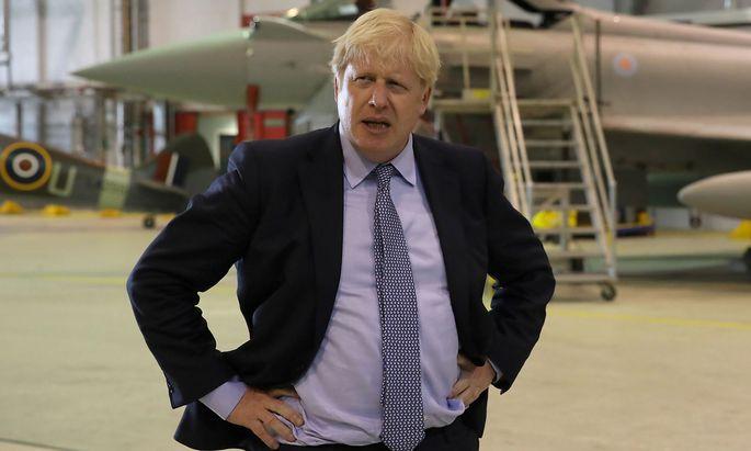 Großbritanniens Premierminister Boris Johnson macht auf Twitter auch sein eigenes Gewicht zum Thema der Kampagne.