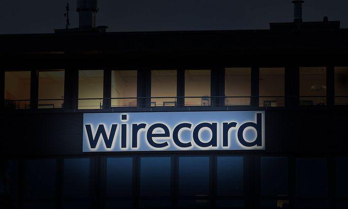 VERFREMDUNG! Wirecard stellt Insolvenzantrag Ð Aktie zeitweise unter drei Euro. Ein Loch von 1,9 Milliarden Euro klafft