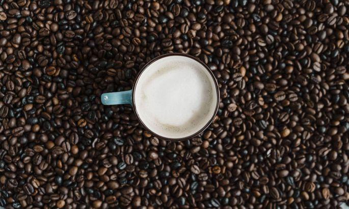 Der Kaffeekonzern JDE Peet's hat bei Europas bislang größtem Börsengang in diesem Jahr in Amsterdam rund 2,3 Milliarden Euro eingesammelt (Symbolbild).