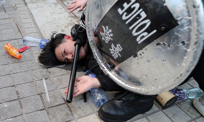 Minderheiten: Polizei löst erste Demonstration in Hongkong für Uiguren in China auf