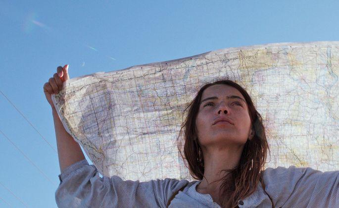 Patrycja Planik als Lillian spricht im ganzen Film kein Wort. Ihre Mimik vermittelt genug.