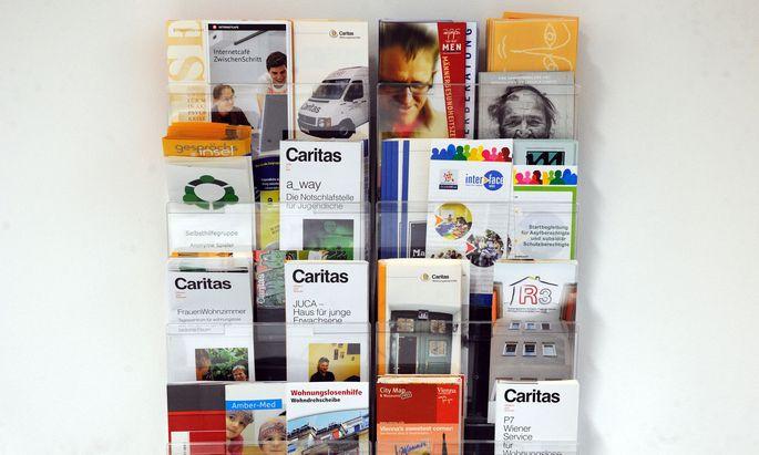 Symbolbild: Informationsbroschüren der Caritas