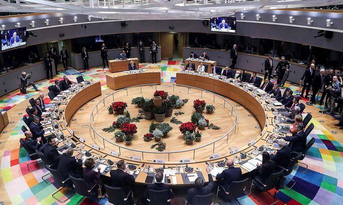 Die EU-Staats- und Regierungschefs (Archivbild) müssen sich auf ein Budget einigen. Derzeig steigen eineige Nettozahler noch auf die Bremse.