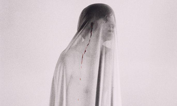 """Schmerzensfrau Renate Bertlmann: aus der Serie """"Maladies des Mystiques"""", 1984."""