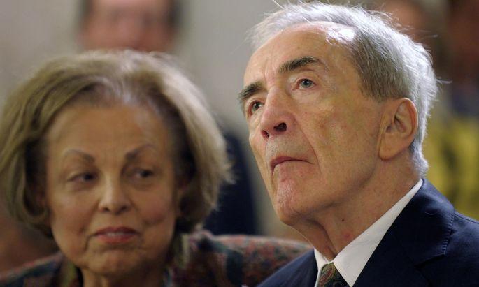 Der inzwischen verstorbene Alois Mock blieb in der Regierung.