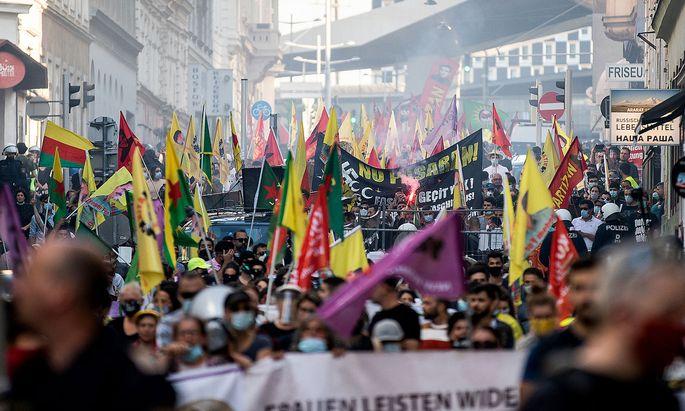 Demonstration linker und kurdischer Gruppen in Wien