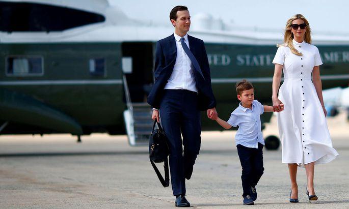 Jared Kushner und Ivanka Trump jetten als Sonderberater Trumps um die Welt – meist ohne Begleitung der drei Kinder. Kushner soll es nun in Nahost richten.