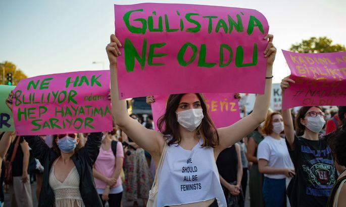 TURKEY-POLITICS-RIGHTS-WOMEN-DEMO