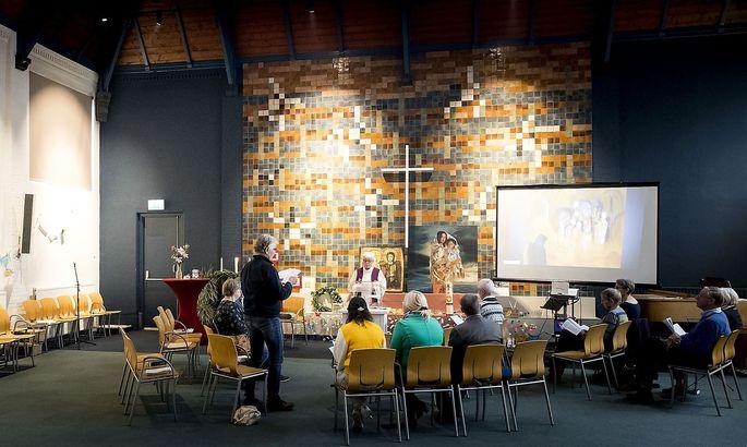 Messfeier in der Bethel-Kirche in Den Haag