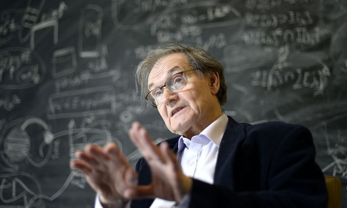 Roger Penrose im Mai 2015, während eines Interviews am Institute of Science and Technology Austria in Klosterneuburg.