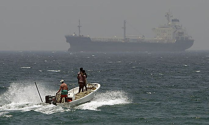 Die Straße von Hormuz ist eine wichtige Meerenge für Transporte auf dem Seeweg nach Europa.