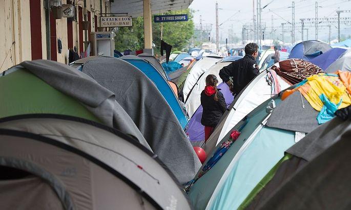 Flüchtlinge an der griechisch-mazedonischen Grenze.
