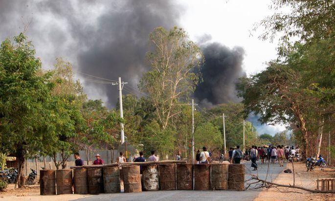 Nach einer Zählung einer Hilfsorganisation wurden seit dem Militärputsch Anfang Februar mindestens 618 Zivilisten getötet.