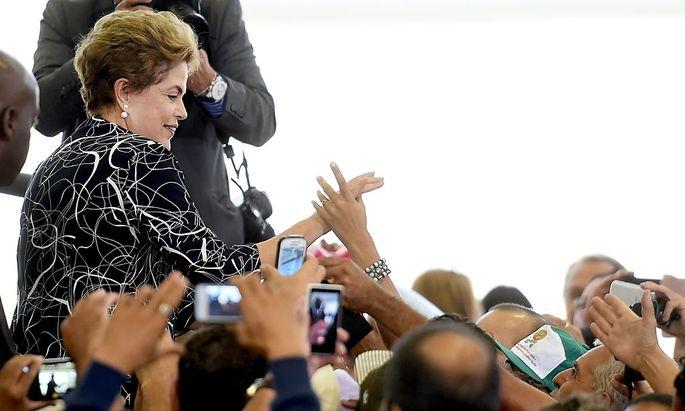 Das Amtsenthebungsverfahren von Dilma Rousseff verzögert sich.