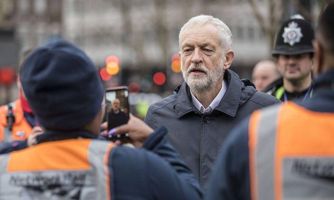 January 2 2019 London London UK London UK Leader of the Labour Party Jeremy Corbyn speaks
