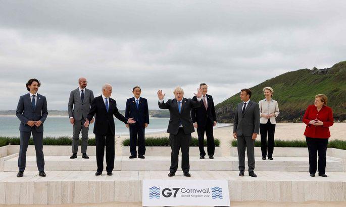 G7-Gruppenbild v.l.: Justin Trudeau, Charles Michel, Joe Biden, JYoshihide Suga, Boris Johnson, Mario Draghi, Emmanuel Macron, Ursula von der Leyen und Angela Merkel