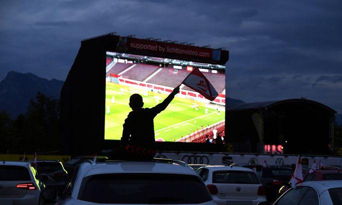 Cupfinale im Autokino, in Salzburg war es ein Zuschauermagnet.