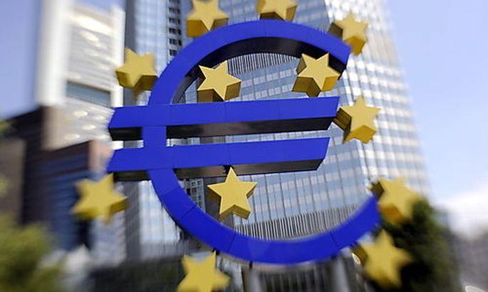 EZB hebt den Leitzins auf 1,5 Prozent an