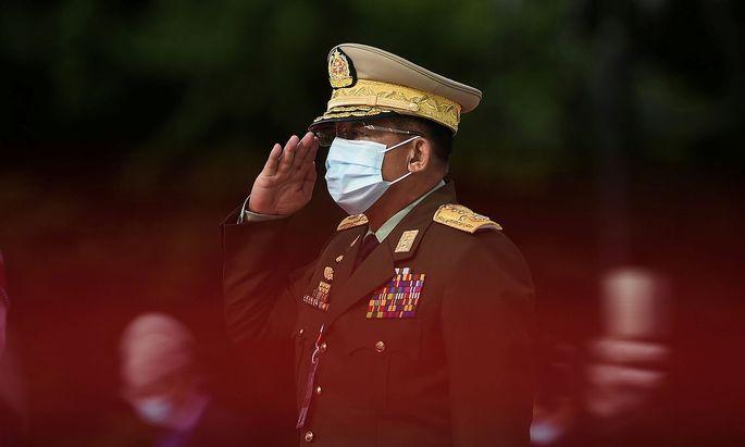 Burmas Militärchef Aung Hlaing hat auch Kontakte nach Österreich.